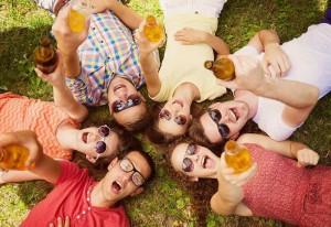 Bier-barbecue-vrienden-tuin-zomer-vakantiehuis-Ardennen