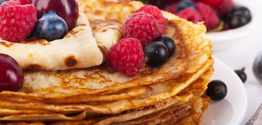 Pannenkoeken-bakken-keuken-vakantiehuis-Ardennen (2)