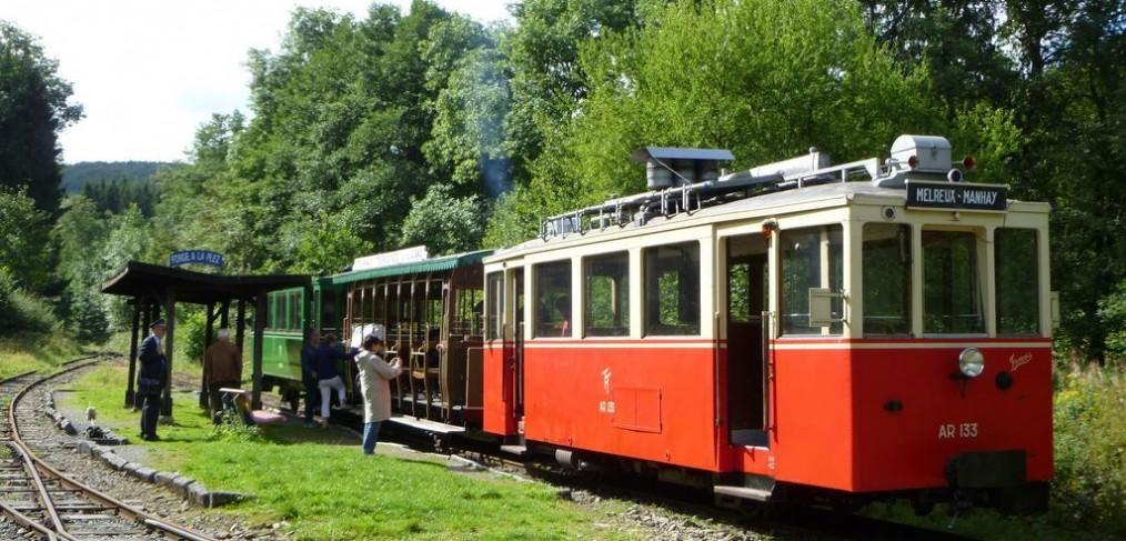 toeristische tram van Aisne-Erezée- Le Ciel et La Roche